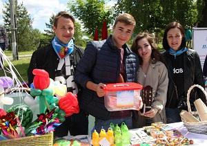 Молодые парламентарии организовали праздничное мероприятие для детей