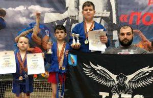 Спортсмены из Вороновского посоревновались в боевом самбо