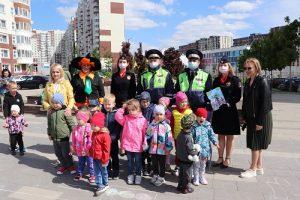 Полицейские Новой Москвы поздравили маленьких граждан с праздником