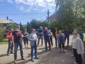 Евгений Иванов провёл встречу с жителями Безобразово