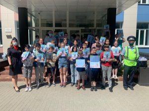 Сотрудники Госавтоинспекции совместно с членом Общественного совета посетили детский лагерь
