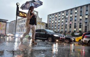 Синоптики прогнозируют в столице ураган с грозой и градом