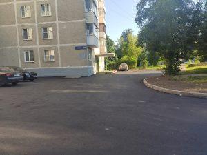 Благоустройство дворовых территорий продолжается в Вороновском поселении