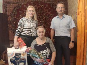 Жительницу поселения поздравили с 90-летним юбилеем
