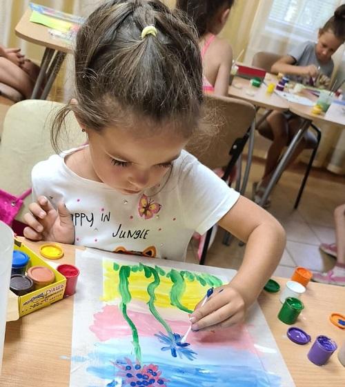 Мастер-класс по рисованию прошёл в ДК «Дружба»