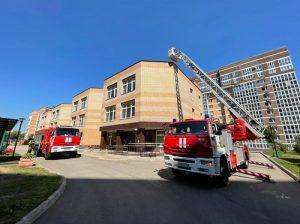 Огнеборцы ТиНАО провели пожарно-тактическое занятие в дошкольном учреждении