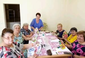 Занятие по декупажу прошло в Центре реабилитации «Ясенки»