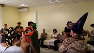 Вечеринка в шляпах прошла в Центре реабилитации «Ясенки»