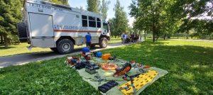 Спасатели станции «Троицкая»рассказали ребятам, как вести себя на воде