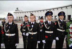Ученики кадетского класса школы №2073 поселения Вороновское приняли участие в торжественном мероприятии на Поклонной горе