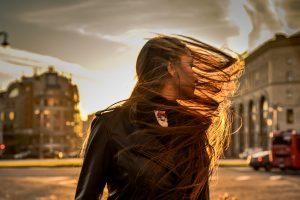 Порывистый сильный ветер спрогнозировали в Москве