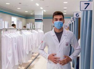 До конца года медики получат единую форму одежды